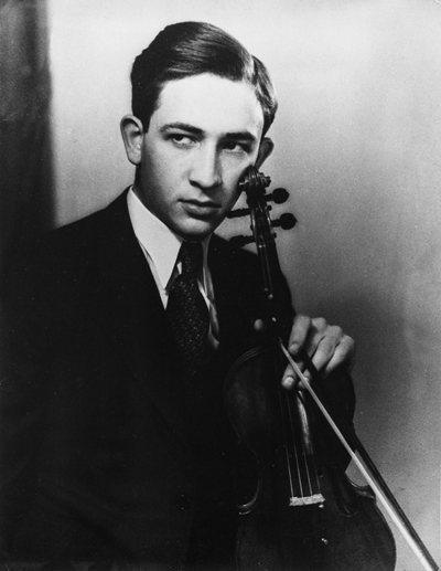 Dad_violin_pose1_small-72-gray